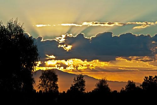 california usa clouds sunrise day cloudy southerncalifornia sunrays ranchocucamonga