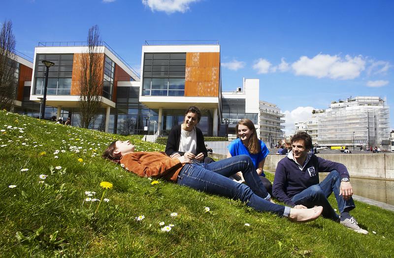 Les différents campus de l'UVSQ