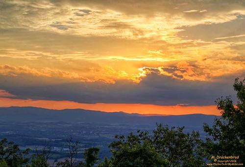 massanutten massanuttenresort massanuttenoverlook mcgaheysville virginia sunset massanuttenridgetrail scenic appalachianmountains shenandoahvalley appalachians familyresort
