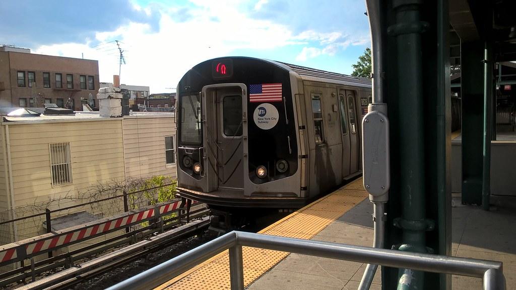 R160 Q train | dedog 1 | Flickr