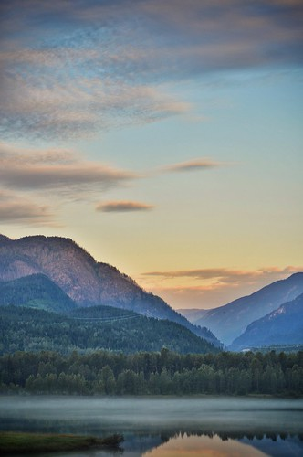 morning travel canada nature river outside nikon bc britishcolumbia kitlens columbiariver 1855mm 1855 revelstoke nikond3200 revelstokebc d3200