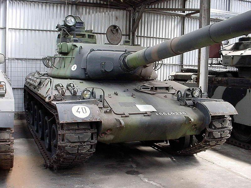 AMX 30B2 (1)