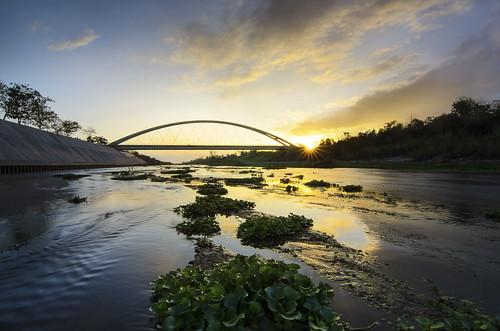 bridge sunrise river landscape dusk nielsen bambanbridge nielsenbridge rainjorque