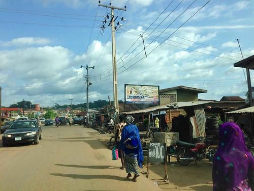 streetsceneinoshogbo osun nigeria jujufilms mothercarryingbabyonherback jujufilmstv