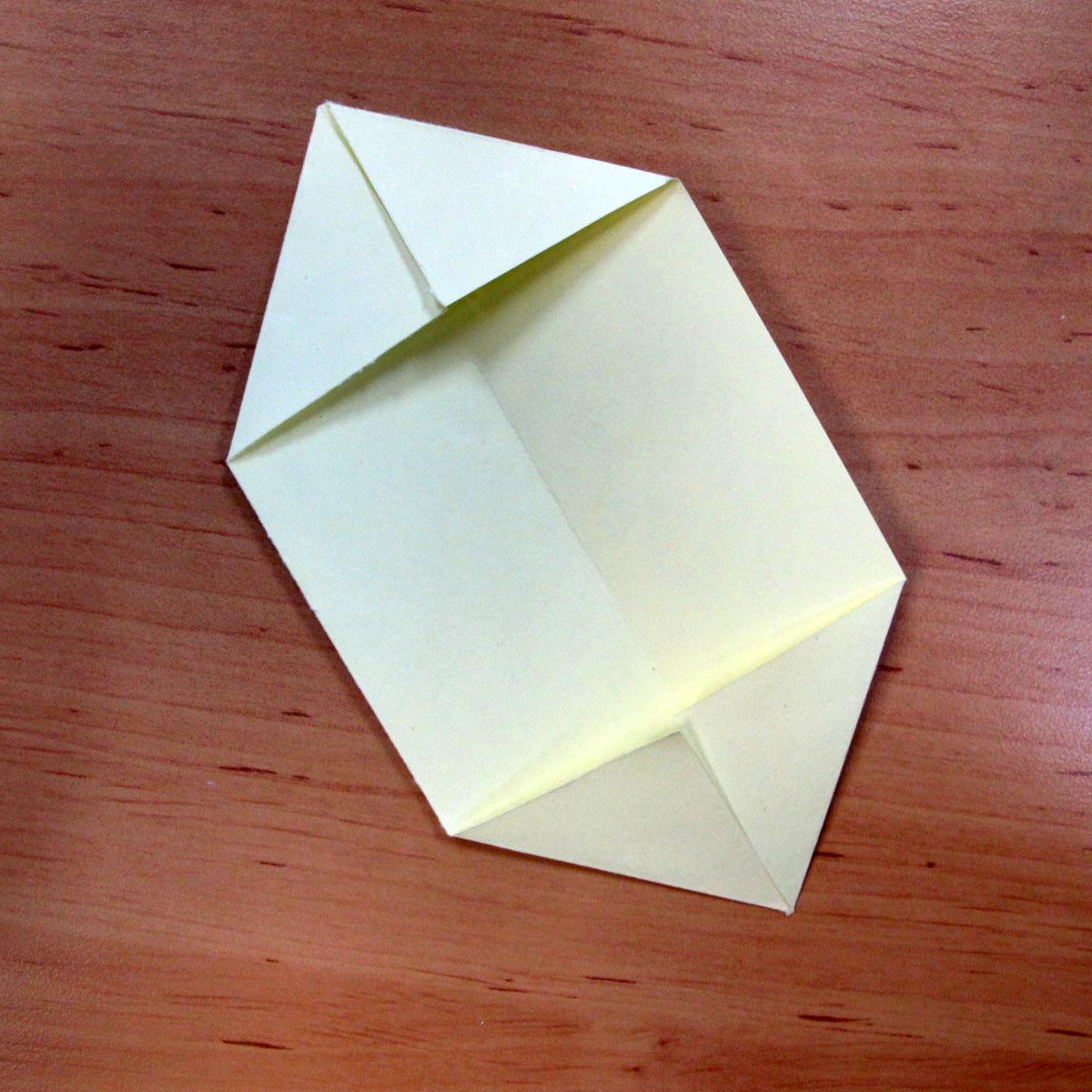 วิธีการพับกระดาษเป็นดอกบัวแบบแยกประกอบส่วน 004