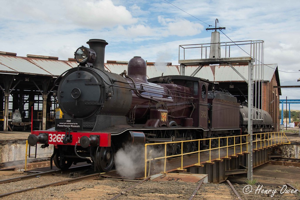 3265 at Junee by Henry Owen