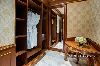 Presidential Suite Bathroom 6