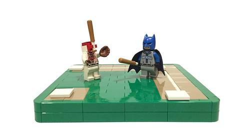 Baseball Bat Man VS Baseball Batman