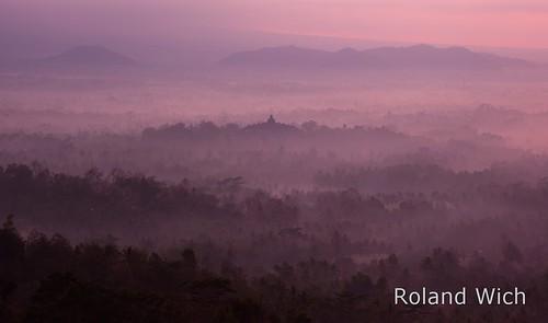 world morning mist heritage fog sunrise indonesia temple dawn java asia buddhist south hill unesco east southeast borobudur indonesien tempel dunst hügel menoreh