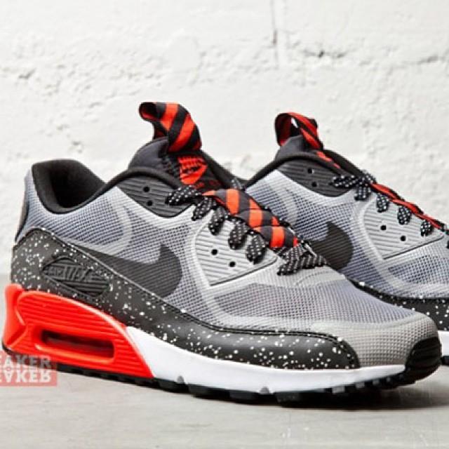 Nike Air Max 90 CMFT PRM Tape </p>                     </div>                     <!--bof Product URL -->                                         <!--eof Product URL -->                     <!--bof Quantity Discounts table -->                                         <!--eof Quantity Discounts table -->                 </div>                             </div>         </div>     </div>              </form>  <div style=