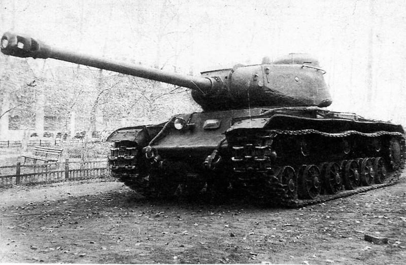 Tank IS-2 (9)