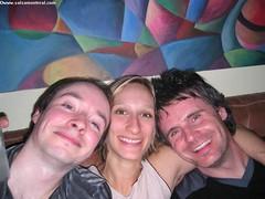 jeu, 2004-04-08 23:29 - IMG_0768_Alexandre_Melanie_et_Sylvain Aucune_idee_comment_jai_pris_cette_photo