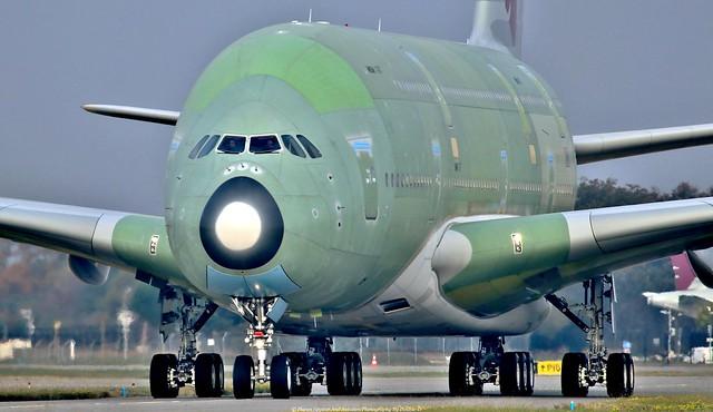 Qatar Airbus A380-800 F-WWAS