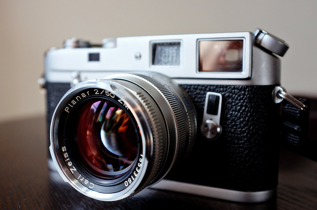 Leica M4 with Carl Zeiss Planar T* 2/50 ZM | Wil and Lil | Flickr