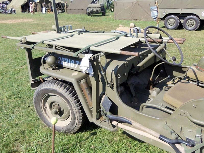 Willys MB Ambulance Jeep (8)