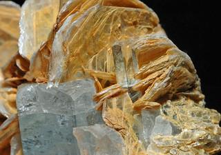 beryl var. aquamarine, mica var. muscovite