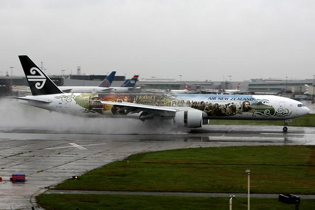 Air New Zealand | Boeing 777-300ER | ZK-OKP | The Hobbit livery | London Heathrow