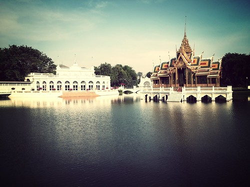 thailand pain royal floating palace reservoir pavilion bang flickrandroidapp:filter=mammoth