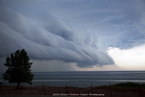 Storm front approaching like the hand of God!! Explore 7-18-2013 | by SY Taylor
