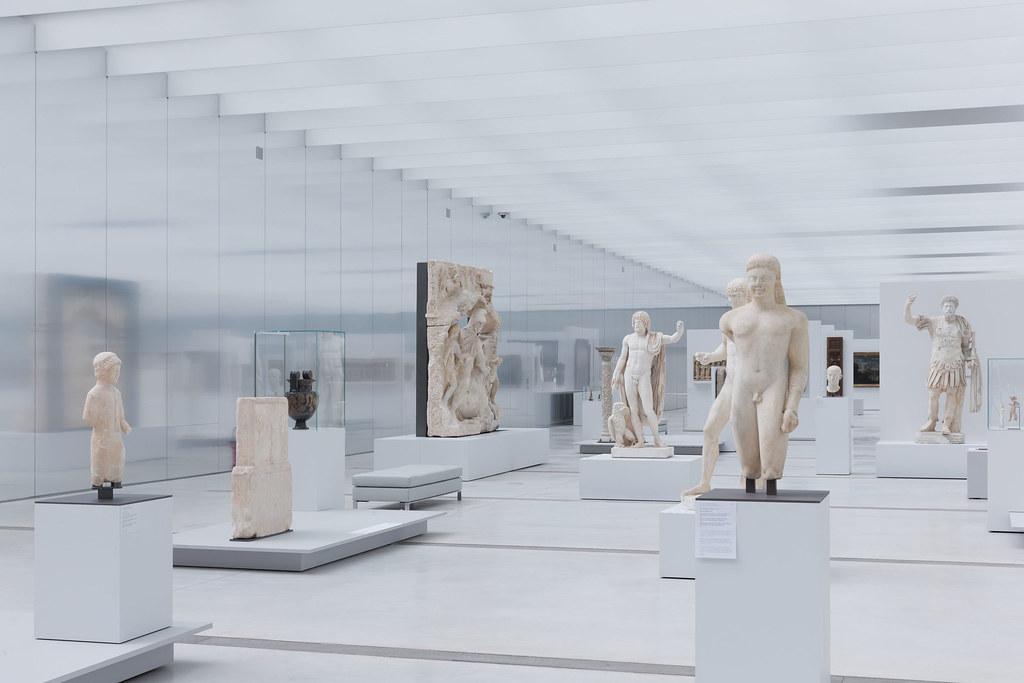 SANAA - Louvre Lens Museum - Photo 08 - by Iwan Baan.jpg