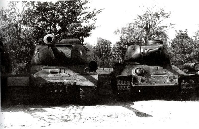 Tank IS-2 (10)