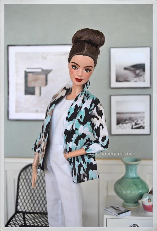 https://bonequea.com/2016/10/10/nueva-ooak-barbie-en-casa-antia/