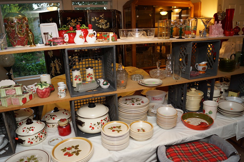 Huge Estate Sale! Castle Rock, WA August 23, 24 & 25 - 2013! Photo #DSC04743