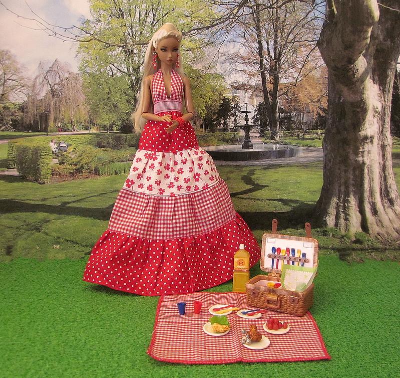 Solange plans a little picnic
