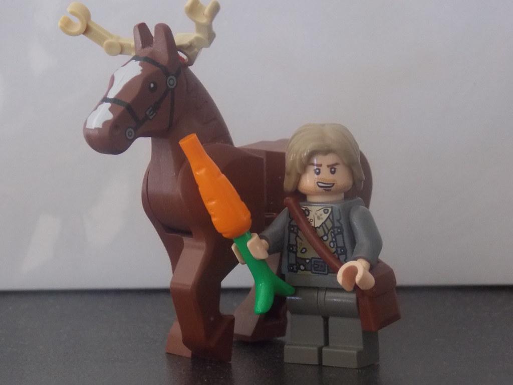 1 LEGO Minifigure Reindeer Sven Frozen