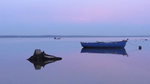 camera blue sunset lake reflection wet water boat twilight europa europe day cloudy dusk sony poland polska cybershot hour stump woda compact lod silesia śląsk łódka jezioro copmact odbicie zmierzch pień turawa turawskie dschx9v