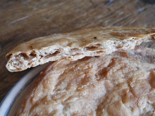 金, 2014-07-11 07:18 - ギリシャのごまペーストパン