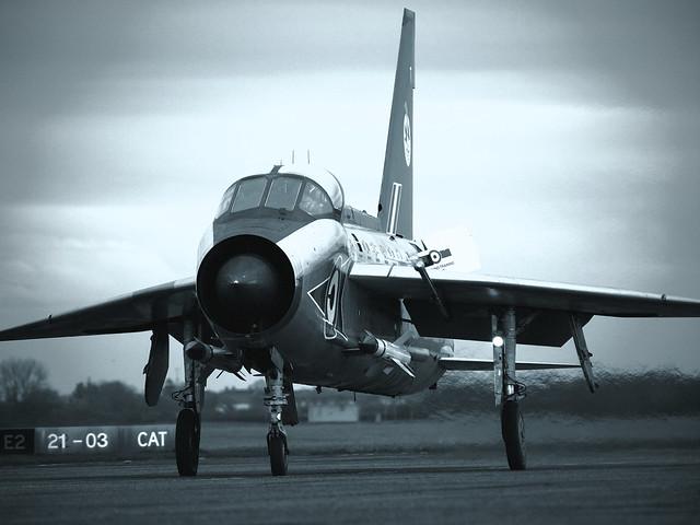 Lightning T5