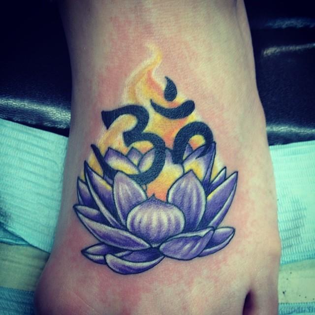 Om Lotus Tattoo Flowertattoo Bridget Punsalang Flickr