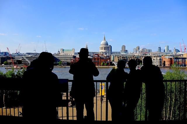 Looking at people looking St Paul