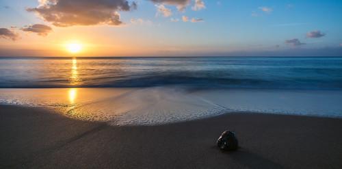 sunset sea sun mer france beach tom strand soleil frankreich meer waves sonnenuntergang coconut dom coco sonne plage kokosnuss coucherdesoleil guadeloupe departement wellen outremer plagedelaperle