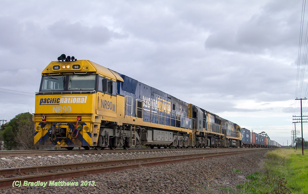 NR90-XRB562-NR98 with 6MC2 Freight to Griffith at Jacana (14/6/2013) by Bradley Matthews