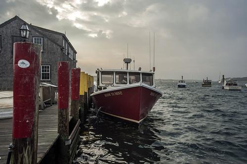 club boat marthas vineyard fishing yacht room massachusetts move edgartown