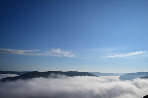 westvirginia grand view nikon nikonphotography naturebynikon vivid vibrant sky clouds fog valley mountain landscape blue sun morning dlsr state park exploration