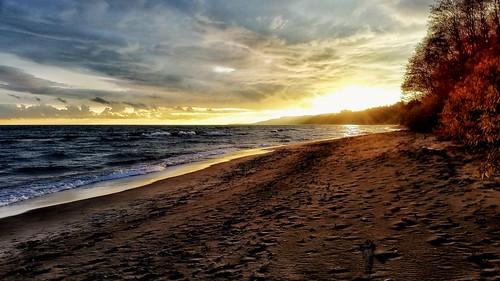 sunset beach waterfront toronto scarborough sand water waves