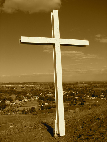 May 8, 2006: The Cross on the Hill | by Matt McGee