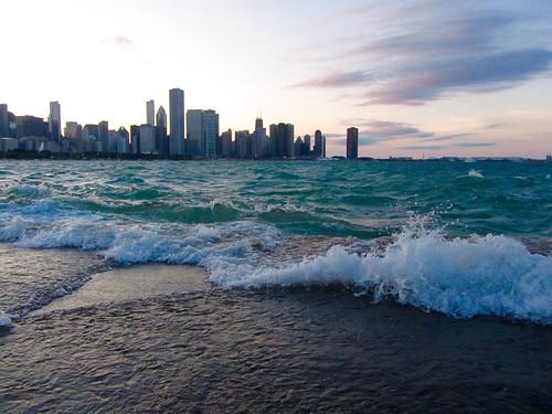 sunset chicago water skyline waves lakemichigan pw crashingwaves