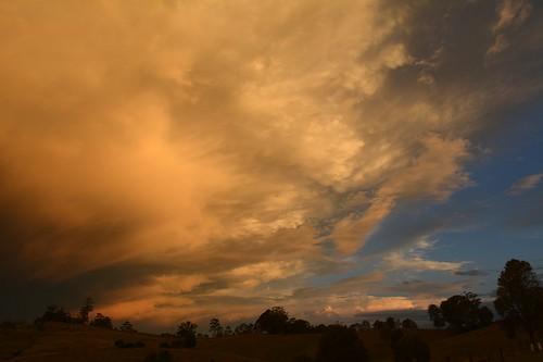 sunset sky storm night countryside australia bluesky nsw stormlight reflectedlight northernrivers sunlitcloud therebeastormabrewin mackellarrange