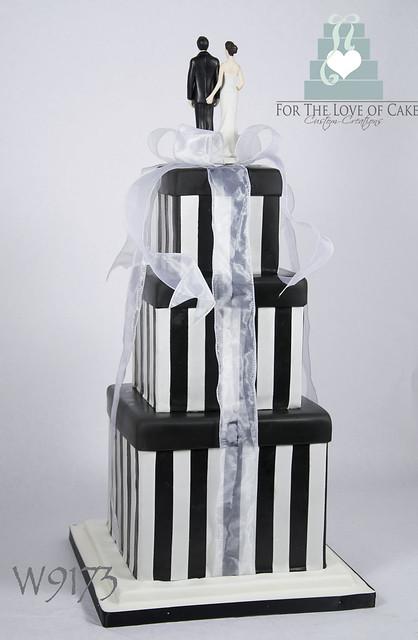 W9173-square-black-white-wedding-cake-toronto