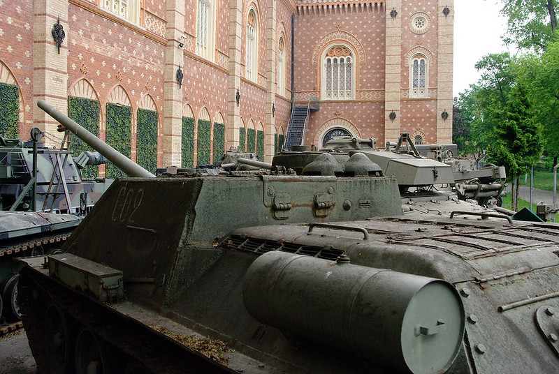 SU-100 (1)