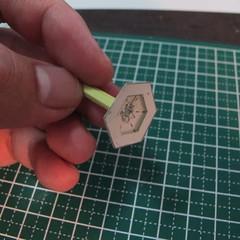 วิธีการทำโมเดลกระดาษเป็นสตอเบอรี่สีแดง 010