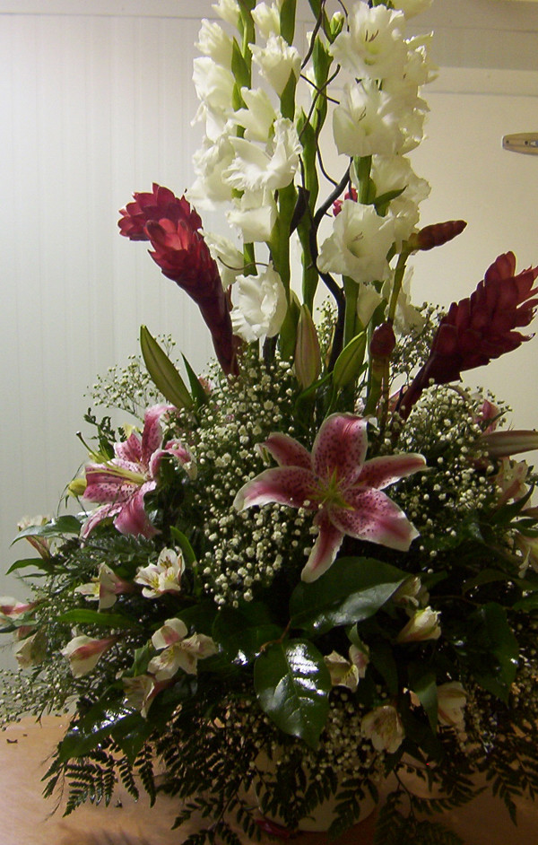 Farah Florist W-A-14.   $150-200