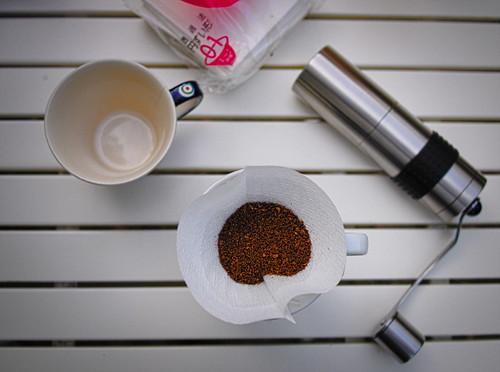 Hario V60 ceramic dripper // Rhinowares coffe grinder   by Olgierd Pstrykotwórca