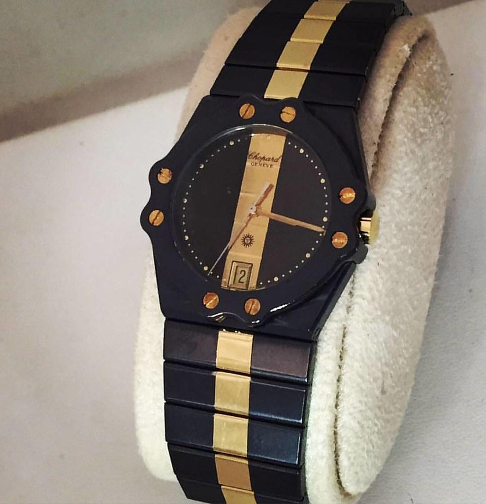 bdc494369 الحجم الكبير للبيع :ساعة شوبارد سانت موريس نسائية اصليه. المواصفات:أستيل  بذهب .الحجم الكبير