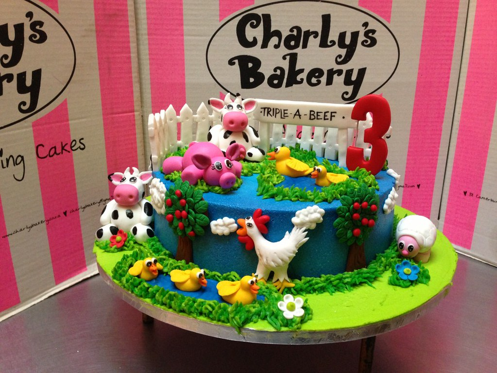 Astonishing Farm Themed Kiddies Birthday Cake Charlys Bakery Flickr Funny Birthday Cards Online Sheoxdamsfinfo