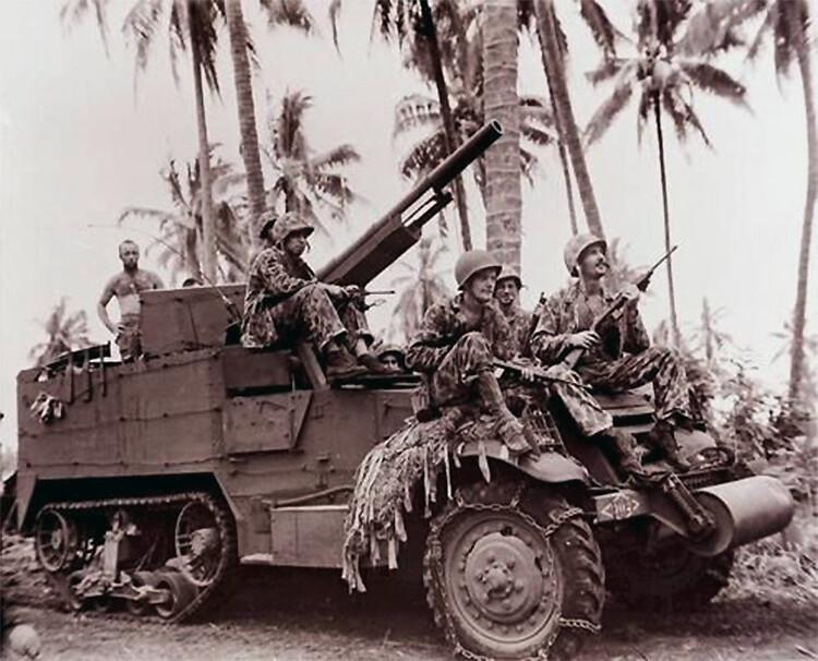 Mereväelaste 75mm gun kergitas esiplaanile Bougainville